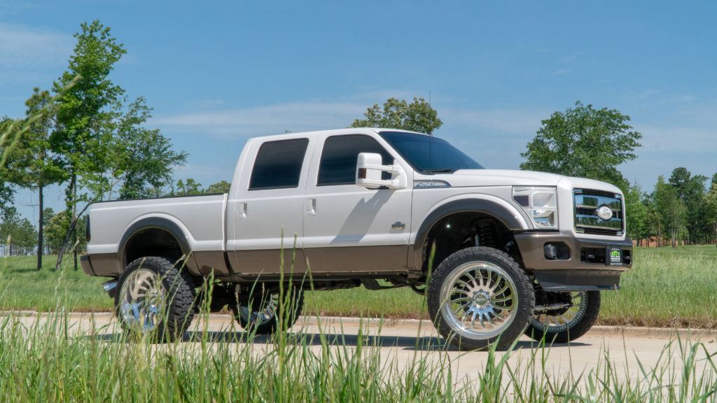 2016 Ford F-250 King Ranch on JTX Forged 26×14-inch Wheels